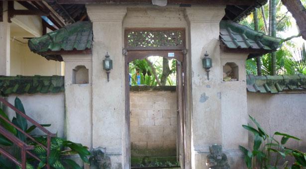 Porte-logement-jalan-petitenget