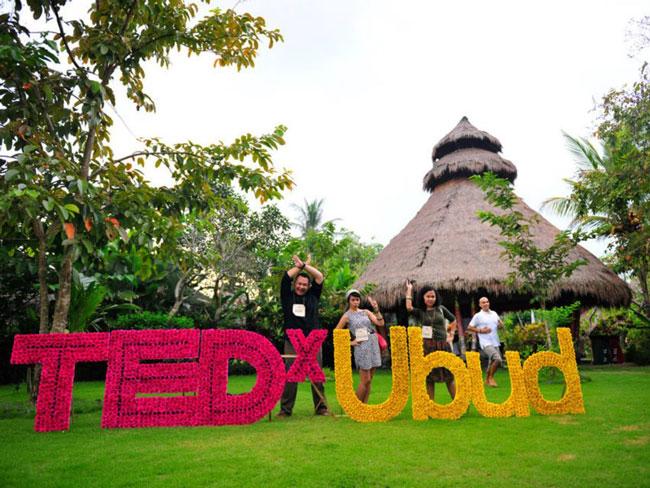 Conférence TEDx UBUD 2012 Découvrez Bali sous un autre oeil : innovation, spiritualité, ambition et talents
