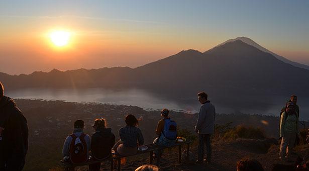 Ascension-mont-batur-Bali-lever-du-soleil-vue
