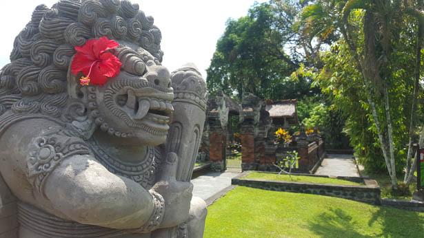 Visite du Temple Taman Ayun a Mengwi (12)