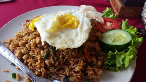 9_Plats indonesiens a deguster absolument a Nasi Goreng