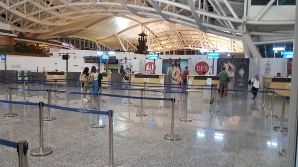 Aeroport Bali Denpasar Terminal International blog bali (44)