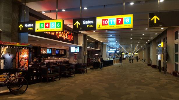 Aeroport Bali Denpasar Terminal International blog bali (46)