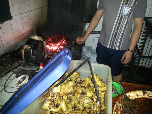 Jimbaran Poulet roti Galih Kuliner Ayam Bakar (20)