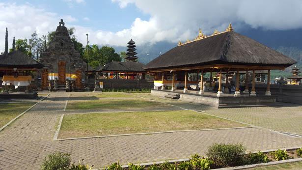 Visite du Temple Ulun Danu sur le Lac Bratan a Bedugul (2)