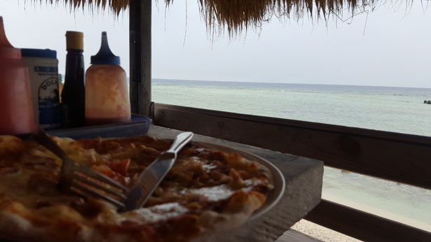 Coral Beach Pizza Gili Trawangan Blog Bali (1)