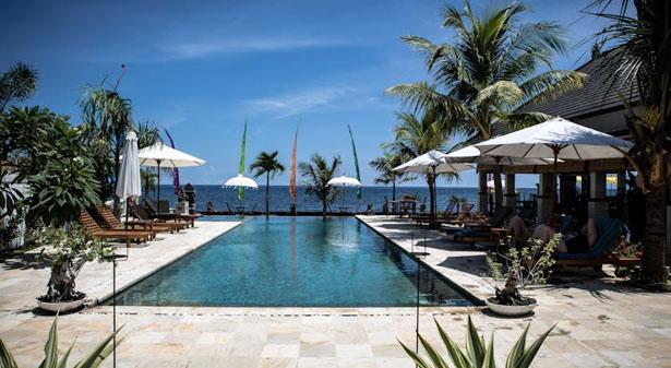 Kelapa Lovina Beach Villa Hotel