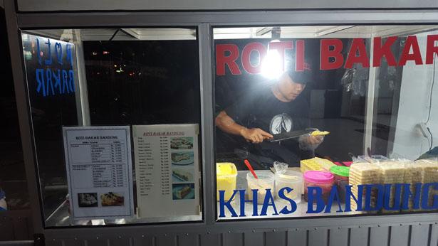 Street Food Bali Roti Bakar Toast Pain Grille Blog Bali (9)